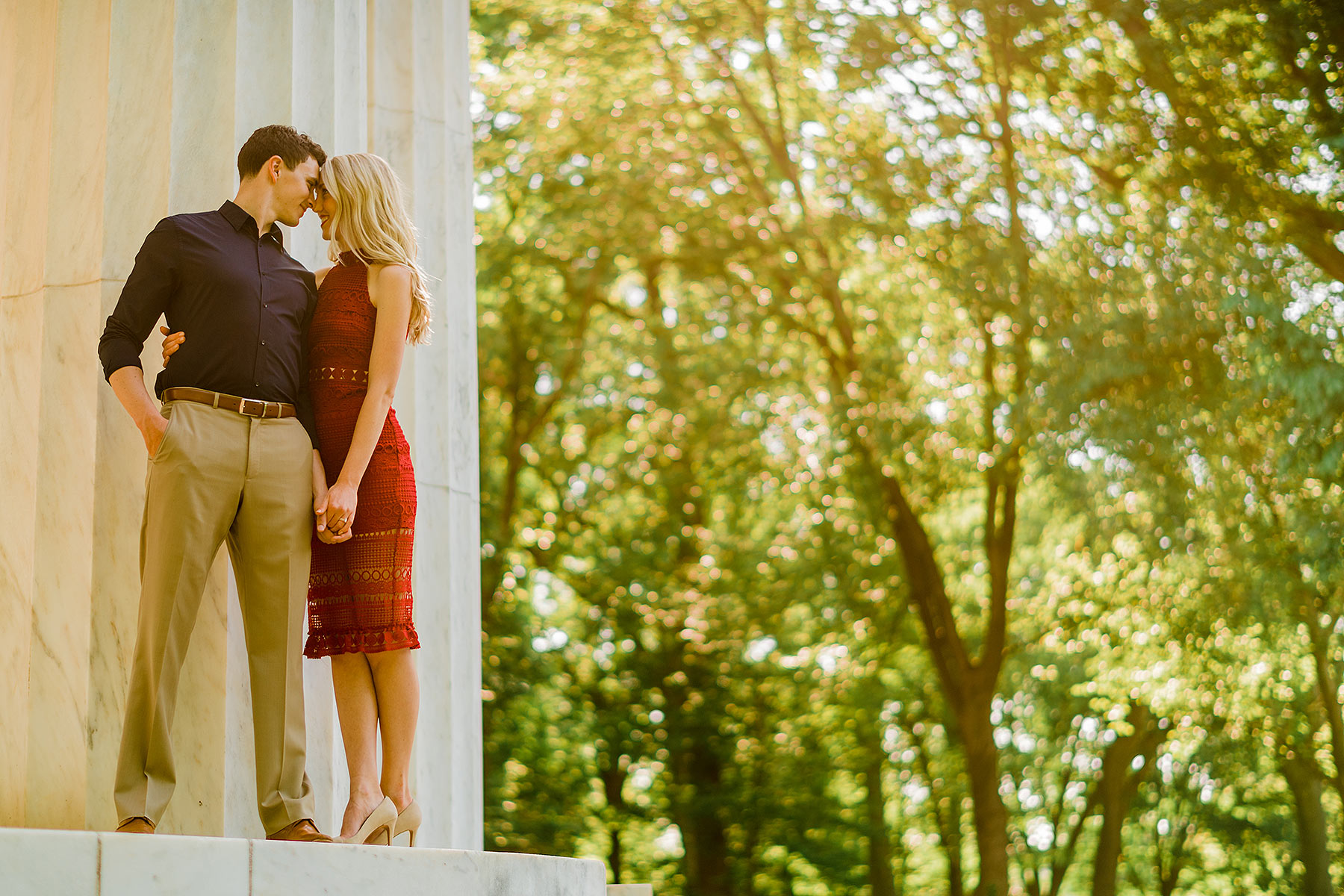 engagement session at dc war memorial