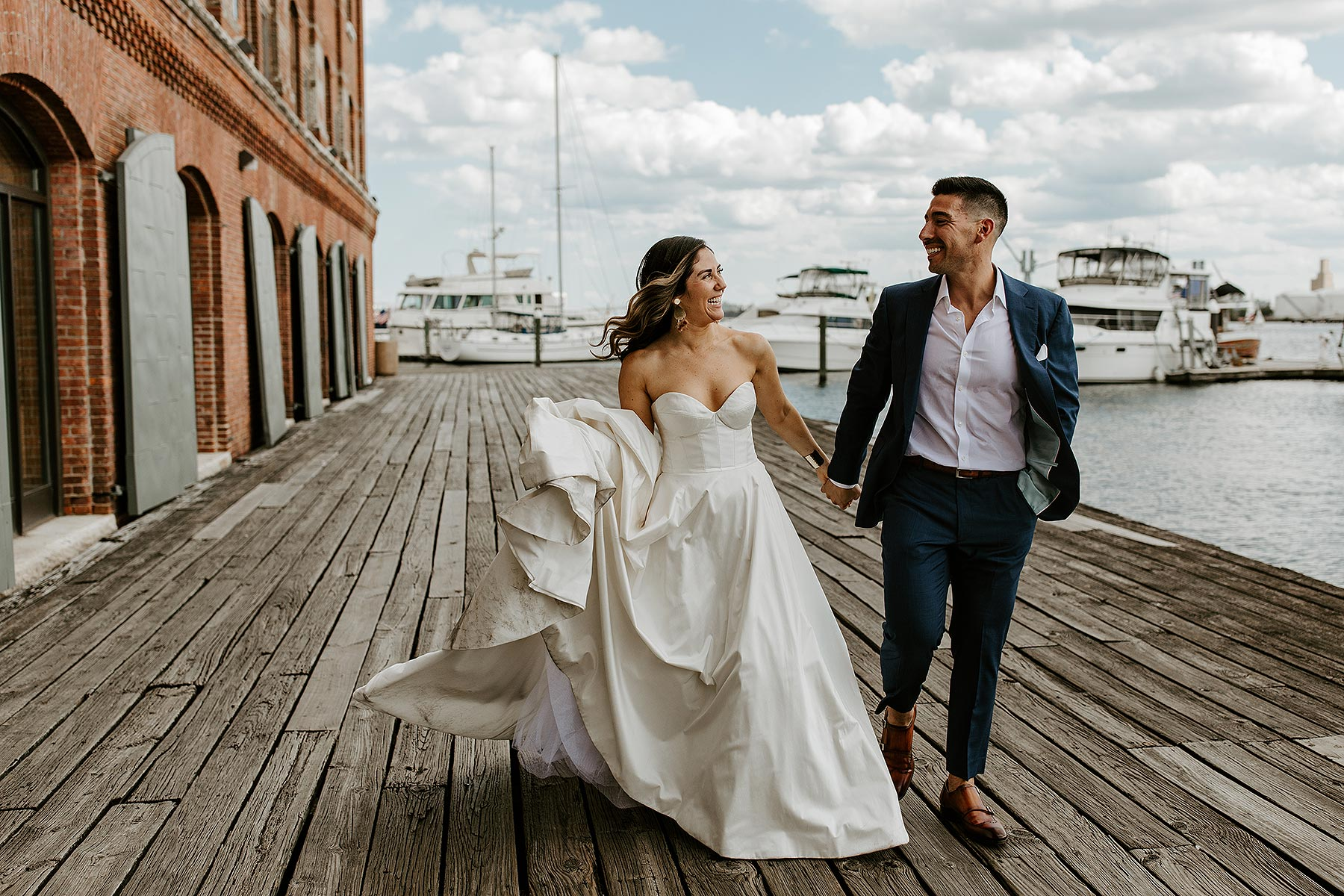 romantic stylish Baltimore wedding at Isaac Myers Maritime Park by Baltimore wedding photographer Mason Photography